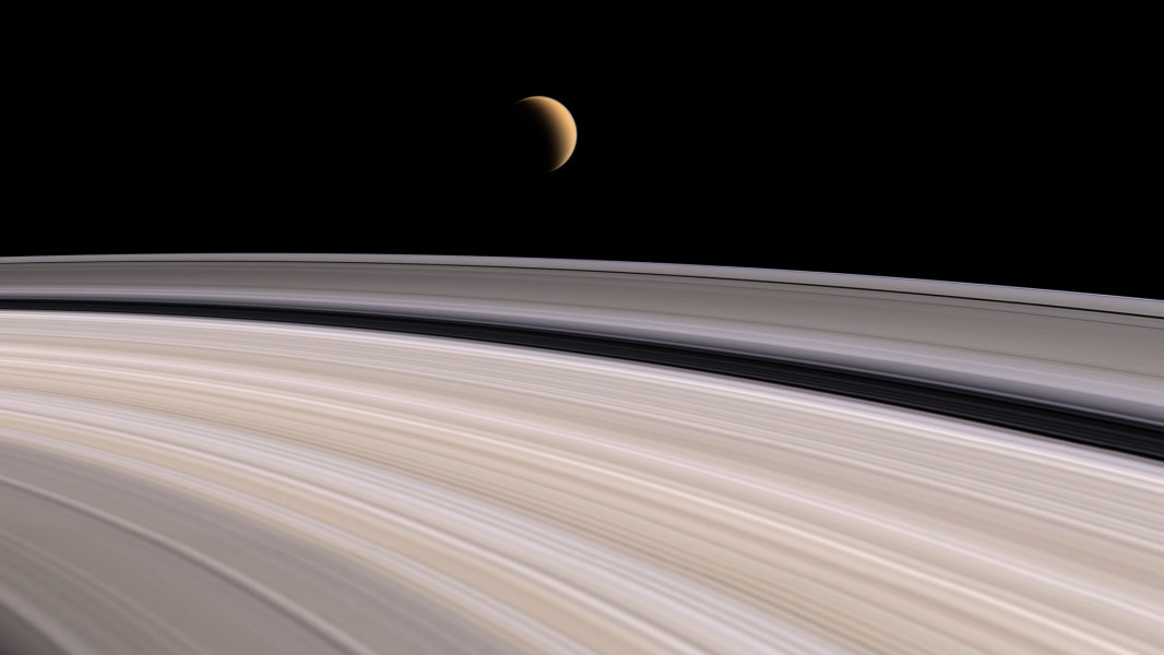 saturn-fly-ring-1-1066x600